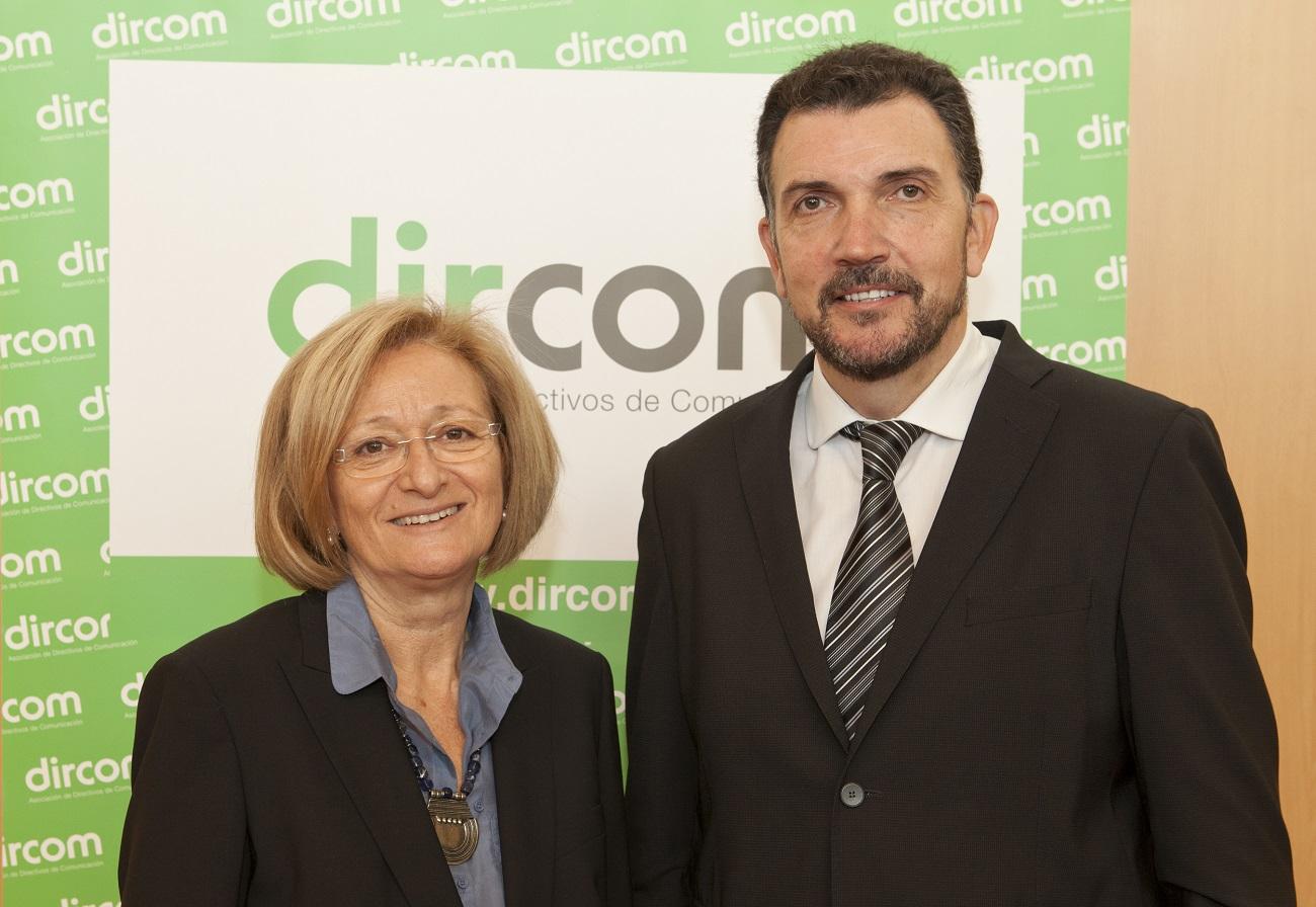 Entrego el testigo de la presidencia de Dircom a Montserrat Tarrés, a la que deseo el mayor de los éxitos.