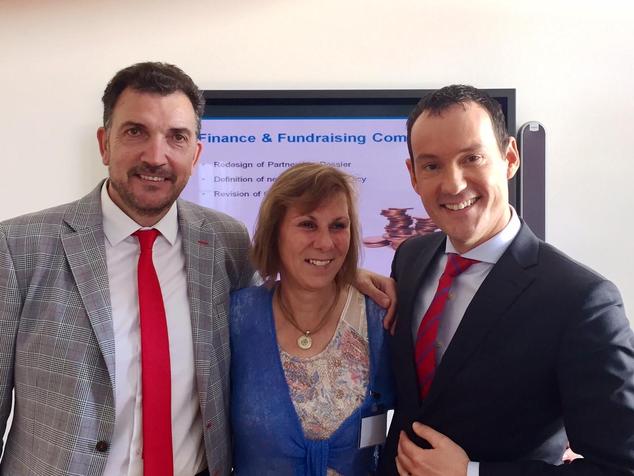 De derecha a izquierda, Gregor Haff, presidente de la Global Alliance, Anne Gregory, past-chair, y José Manuel Velasco, chair-elect.